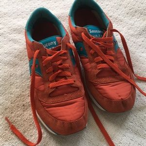 Saucony Jazz Pro in orange and turquoise, 9.5